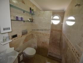 Image No.19-Villa / Détaché de 4 chambres à vendre à Uzumlu