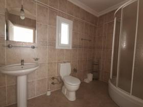 Image No.27-3 Bed Villa / Detached for sale