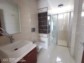 Image No.14-4 Bed Villa / Detached for sale