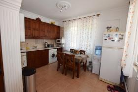 Image No.1-4 Bed Villa / Detached for sale