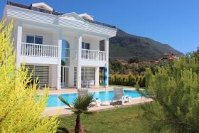 Image No.0-Villa de 4 chambres à vendre à Ovacik
