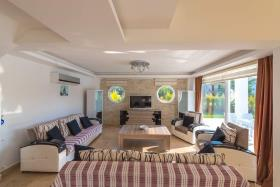 Image No.9-Villa de 4 chambres à vendre à Ovacik