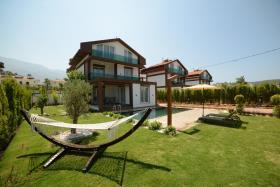 Image No.0-Villa de 4 chambres à vendre à Hisaronu