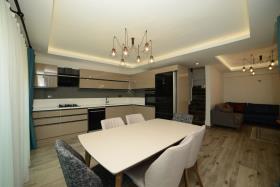 Image No.8-Villa de 4 chambres à vendre à Hisaronu