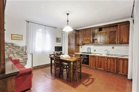 Image No.2-11 Bed Hotel for sale