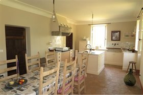 Image No.6-4 Bed Farmhouse for sale
