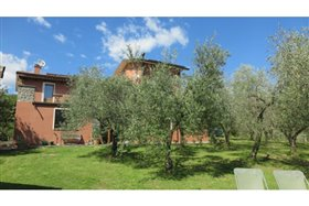 Image No.7-5 Bed Farmhouse for sale