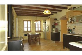 Image No.11-5 Bed Farmhouse for sale