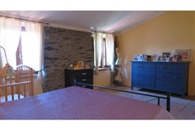 Image No.16-5 Bed Farmhouse for sale