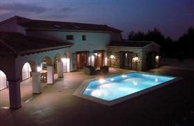 Image No.0-7 Bed Villa for sale