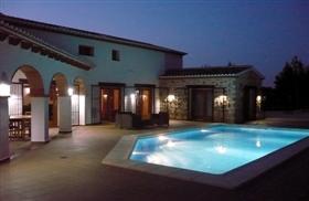 Image No.2-7 Bed Villa for sale