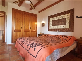 Image No.18-5 Bed Villa for sale