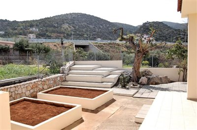 H-MAL201-House0with-garden-at-Malia5