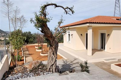 H-MAL201-House0with-garden-at-Malia6