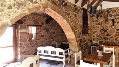 H-MAL124-Traditional-building-old-town-Malia6