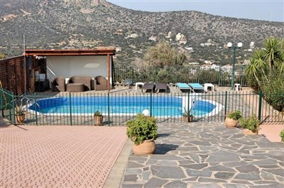 h-stal91-Seaview-property-with-swimming-pool1