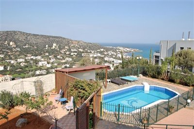 h-stal91-Seaview-property-with-swimming-pool5