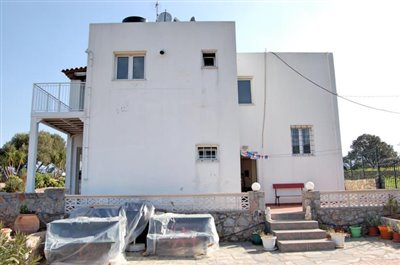 h-stal91-Seaview-property-with-swimming-pool10
