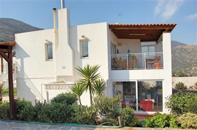 h-stal91-Seaview-property-with-swimming-pool16
