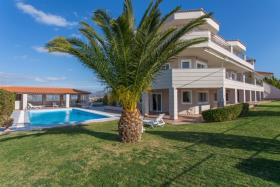 Image No.1-8 Bed House/Villa for sale
