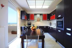 Image No.5-Maison / Villa de 4 chambres à vendre à Kokkini Hani