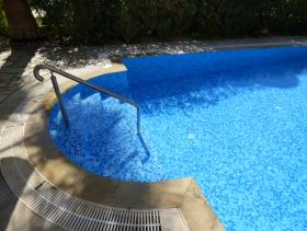 1. 3 Bed Villa / Detached for sale