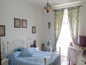 Image No.15-8 Bed Villa for sale