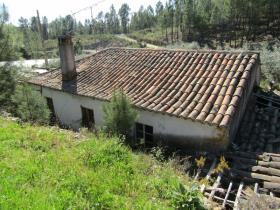 Image No.0-Propriété de pays de 2 chambres à vendre à Sertã