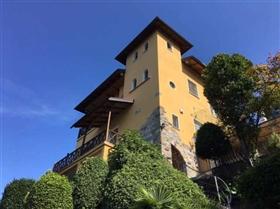 Porto Valtravaglia, Villa