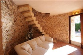 Image No.18-7 Bed Country House for sale