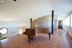 Image No.4-7 Bed Country House for sale