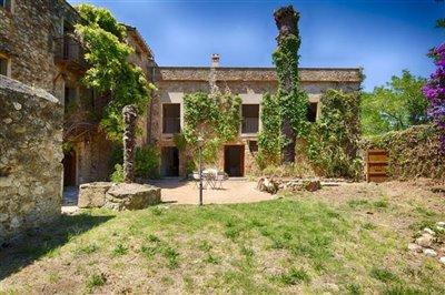 1 - Girona, Country House