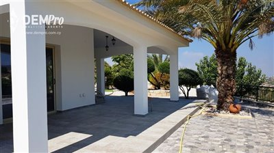 13019-detached-villa-for-sale-in-armoufull