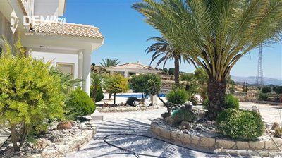 13001-detached-villa-for-sale-in-armoufull