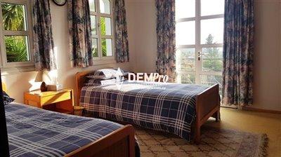 16700-villa-for-sale-in-monagroullifull