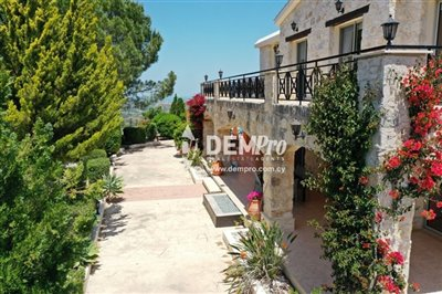 18532-villa-for-sale-in-gioloufull