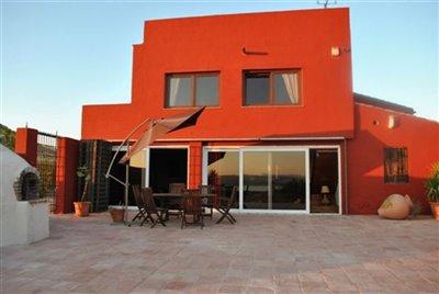 fachada-terraza-y-horno-1