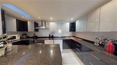 fantastic-spacious-apartment-02142020124643-c