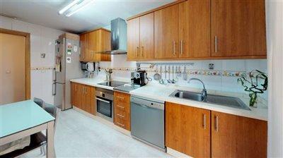 calle-helsinki-39-san-javier-kitchen