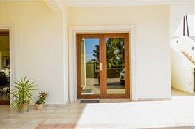 Image No.20-Villa de 7 chambres à vendre à Emba