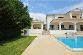 Image No.6-Villa de 7 chambres à vendre à Emba
