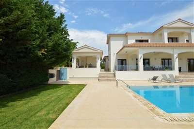 Detached Villa For Sale  in  Emba