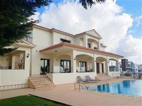 Image No.8-Villa de 7 chambres à vendre à Emba
