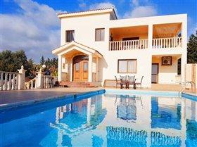 Image No.0-Villa de 4 chambres à vendre à Sea Caves