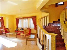 Image No.1-Villa de 4 chambres à vendre à Sea Caves