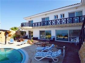 Image No.10-Villa de 4 chambres à vendre à Kissonerga