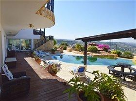 Image No.11-Villa de 4 chambres à vendre à Kissonerga