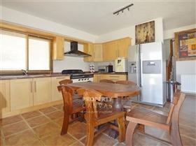 Image No.3-Villa de 3 chambres à vendre à Argaka