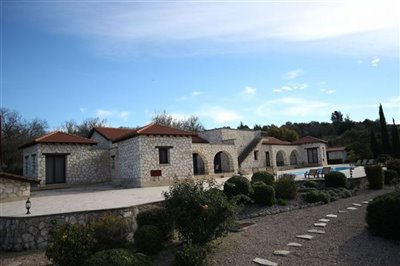 Bungalow For Sale  in  Giolou
