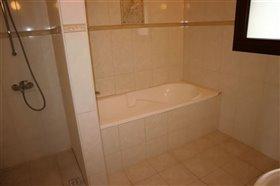 Image No.10-Bungalow de 6 chambres à vendre à Giolou